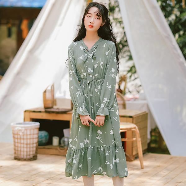 VK旗艦店 韓國風名媛優雅碎花文藝收腰顯瘦長袖洋裝