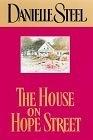 二手書博民逛書店 《The House on Hope Street》 R2Y ISBN:0385333064│Steel