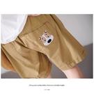 【慢。生活】小狗刺繡口袋鬆緊短褲 K2728-1  FREE 卡其