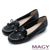 MAGY 柔軟莫卡辛 氣質真皮手縫舒適平底鞋-黑色