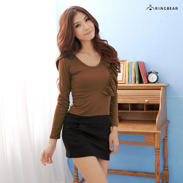 質感洋裝--高貴氣質左肩荷葉貼片雙口袋圓領長袖洋裝(紅.咖M-2L)-A108眼圈熊中大尺碼