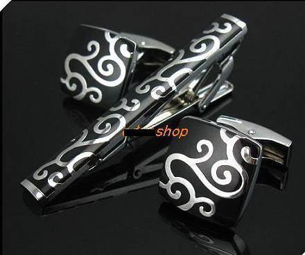來福,新色法式斐爾圖騰領夾袖扣套組,一組直購價329元,現+預