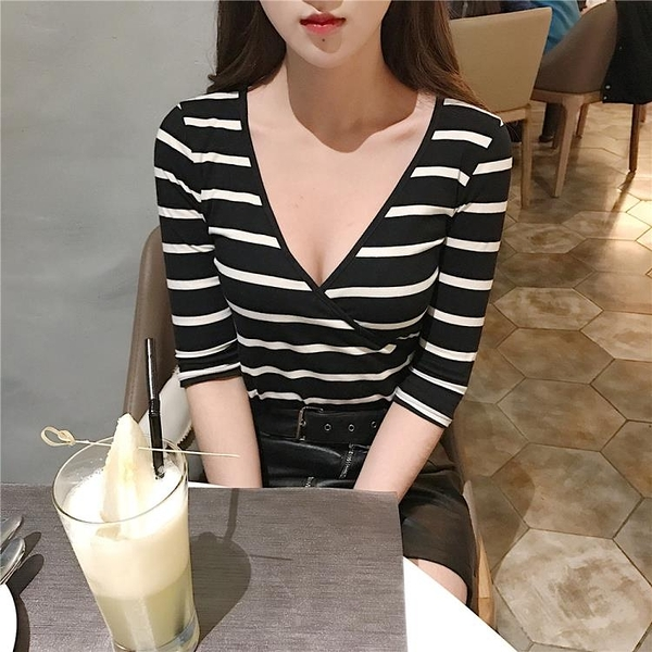 [超豐國際]港味復古chic風深V領顯瘦修身黑白條紋長袖T恤1入