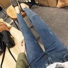 牛仔褲 chic淺藍色不規則褲腳牛仔褲女顯瘦緊身薄款九分小腳褲高腰鉛筆褲 米家