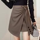 VK精品服飾 韓系氣質紐扣斜褶皺修身開叉半身裙單品短裙
