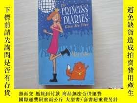 二手書博民逛書店THE罕見PRINCESS DIARIES GIVE ME FI