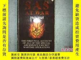 二手書博民逛書店英文原版書罕見THE SAS AT WAR 1941-1945
