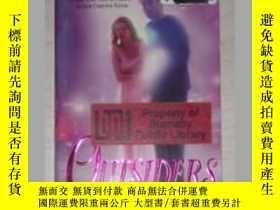 二手書博民逛書店英文原版書罕見Outsiders [Paperback] Mel