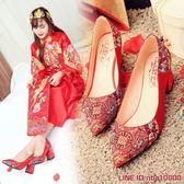 婚鞋婚鞋女刺繡新娘復古秀禾鞋中式紅色孕婦粗跟單鞋中國風結婚鞋子 摩可美家