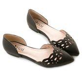 amai珠寶雕花鏤空平底尖頭鞋 黑