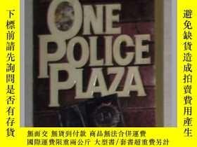 二手書博民逛書店英文原版罕見One Police Plaza by Willia