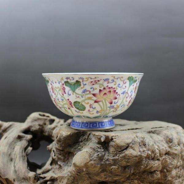 大清乾隆年制粉彩5寸荷葉蓮花碗 仿古工藝擺件瓷器 古董古玩收藏1入