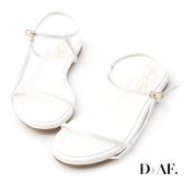 D+AF 清新獨特.一字側線繫踝平底涼鞋*白