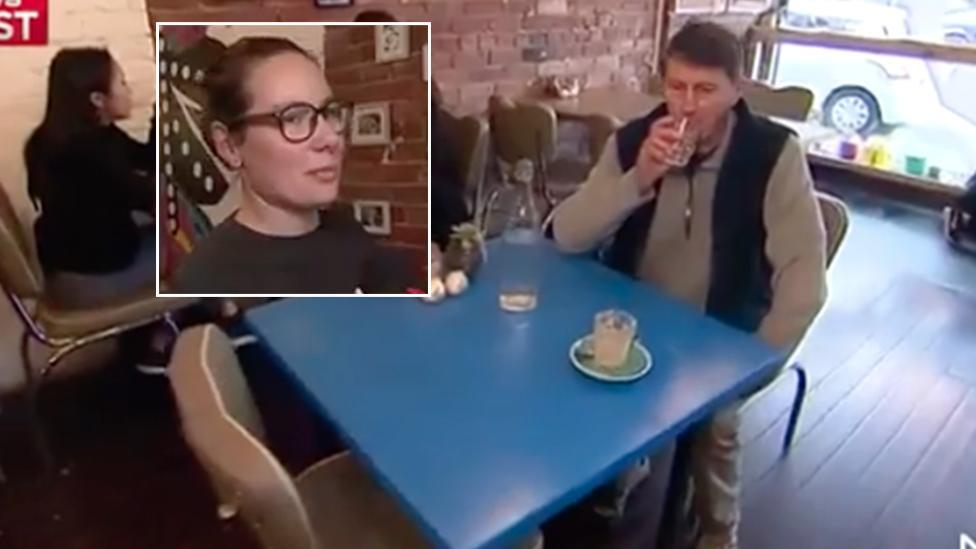The café that gives women priority seating and charges men more