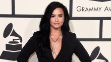 Demi Lovato se comunica con fans