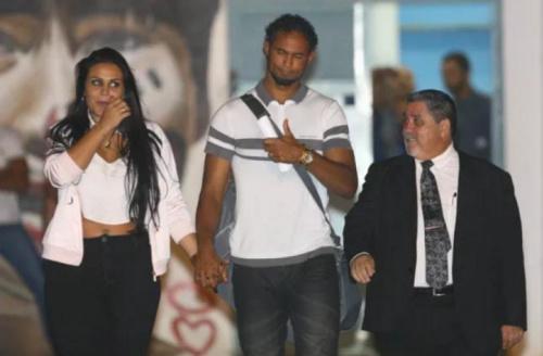 Advogado de Bruno diz que recebeu proposta do Bangu; clube nega