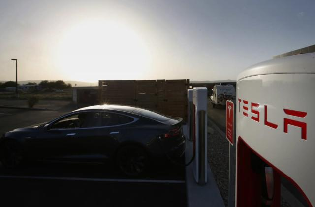 City of LA's electric vehicle fleet includes a Tesla Model S