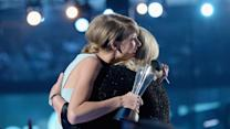 Highlights from Taylor Swift's Mom's Touching ACMS Speech