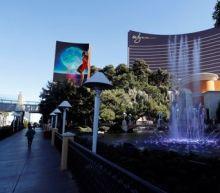 Steve Wynn cuts stake in Wynn Resorts, becomes No. 3 holder