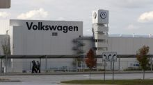 U.S. senators urge Volkswagen to end delay in Tennessee union vote