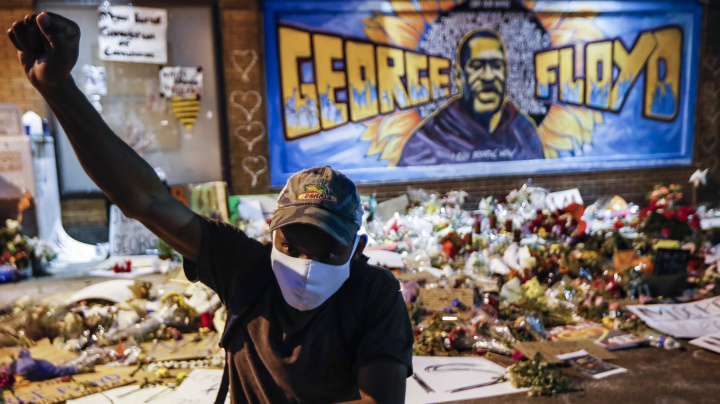 Minnesota files civil rights charge against police force