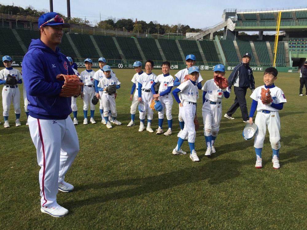 中華隊神戶移地訓練 5球員參與棒球教室教學