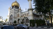COVID-19: 5 private prayer zones in each mosque upon reopening on 2 June
