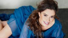 Curada, atriz Simone Zucato produz peça e se preocupa com teatros vazios após pandemia
