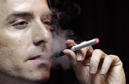 New research says e-cigarettes are safer than real ones, no cigarettes safer still