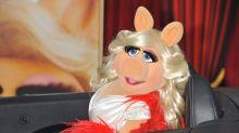 Fashion Awards 2017: Miss Piggy als Moderatorin auf dem rotem Teppich
