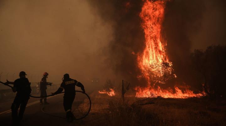 Europas Urlaubsparadiese kämpfen gegen Brände