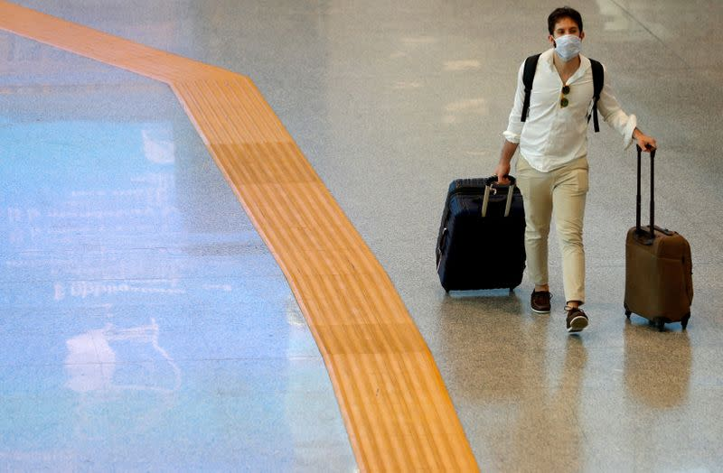 Airlines call for COVID-19 tests before all international flights