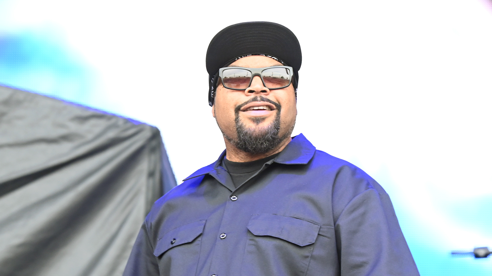 Ice Cube defends working with Trump by saying he's trying to 'make a deal with whoever is in power'