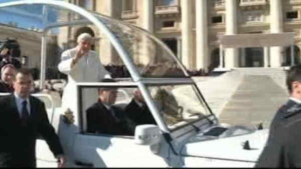 Pope Benedict makes final public appearance