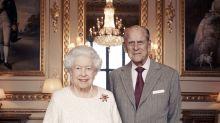 AP FOTOS: Reyes de Inglaterra celebran 70 años de matrimonio