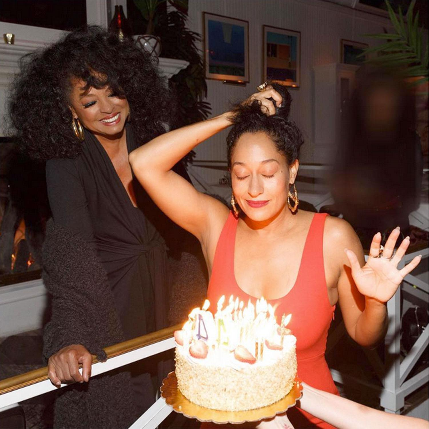 Excellent See The Sweetest Celebrity Birthday Cakes Funny Birthday Cards Online Aboleapandamsfinfo