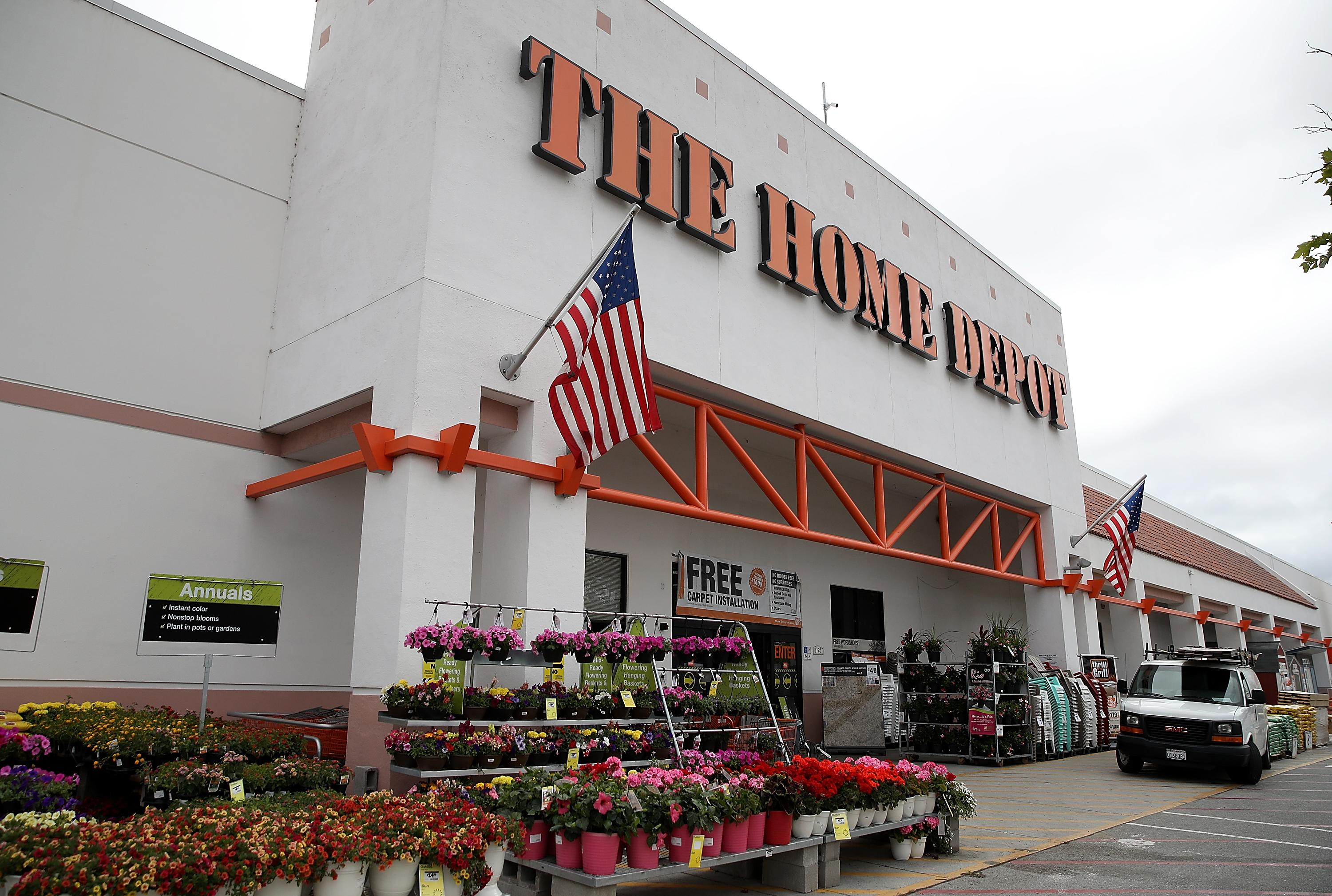 Home Depot and Lowe\'s Memorial Day 2018 Sales Already Started and ...