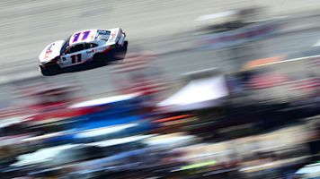 Hamlin scores Toyota's first pole of 2019 at Bristol