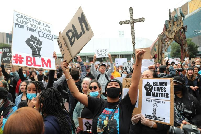 Thousands of New Zealand protesters gather in major cities to protest in solidarity against the killing of George Floyd in the United States (AFP Photo/MICHAEL BRADLEY)