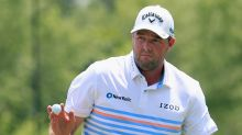 Leishman clings to share of lead with 21yo rookie