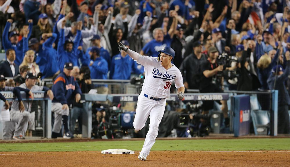 Dodger Stadium erupts after Joc Pederson's seventh-inning home run. (AP)