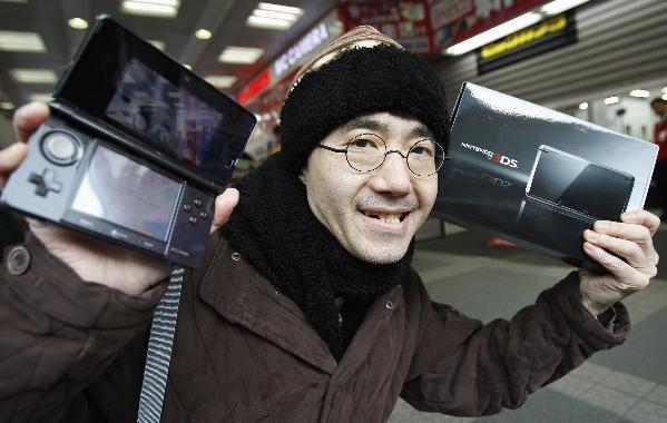Nintendo 3DS launches in Japan, populace tears through initial 400,000 unit shipment