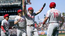 Hoskins breaks out of slump with 6 RBIs, Phillies top Giants