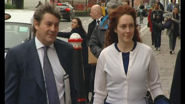 Rebekah Brooks and Andy Coulson arrive at court