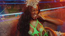 Iza exibe look de Carnaval poderoso com tapa-mamilo