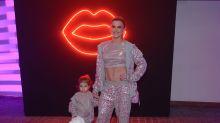 Mirella Santos e Valentina usam looks iguais em evento de moda