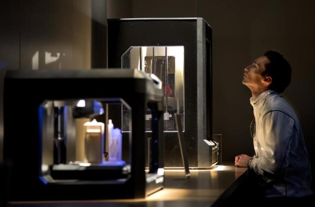 MakerBot will start outsourcing its 3D printers