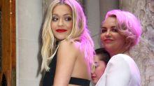 Der Apfel fällt nicht weit vom Stamm: Guckt sich Rita Ora ihren Style von ihrer Mutter ab?