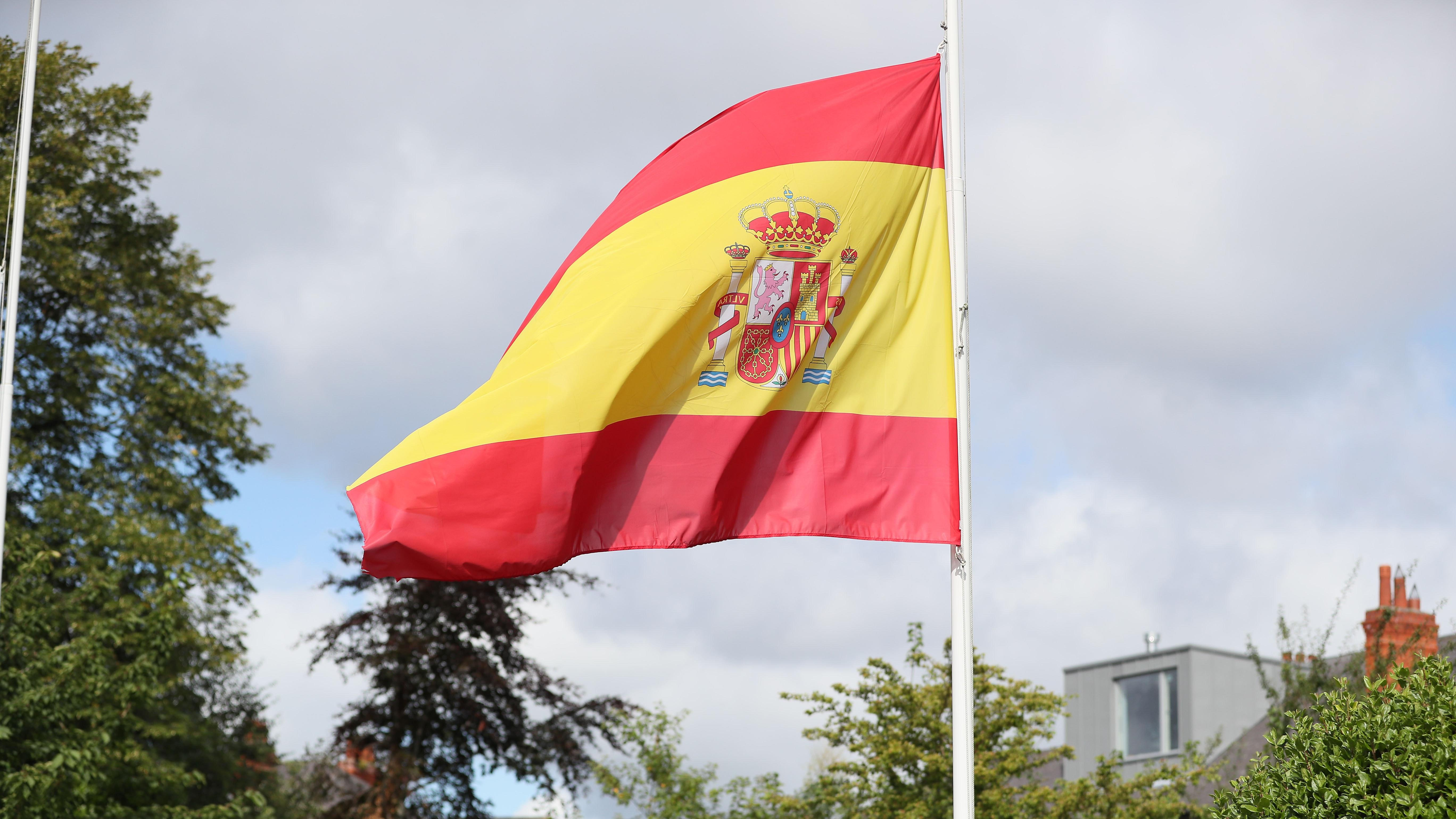 28 people hurt after fair ride 'falls apart' near Seville