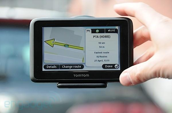TomTom Go Live 1000 taken for first test drive (video)